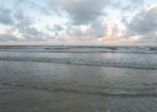 北海晨曦小海浪图片