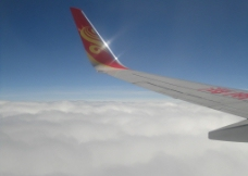 飞机上拍的蓝天白云图片