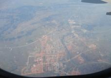 飞机上拍的城市图片