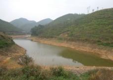 湖水 山峰图片