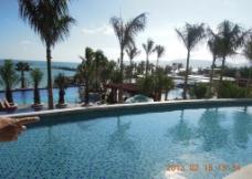 三亚沿海 海边泳池图片