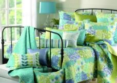 卧室 床 被子图片