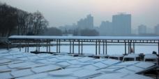 ?#26412;?#40857;潭湖公园雪景图片